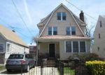 Foreclosed Home in Queens Village 11429 11015 214TH ST - Property ID: 70133560
