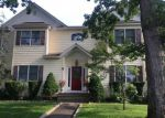 Foreclosed Home in Farmingdale 11735 88 POWELL PL - Property ID: 70134093