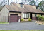 Foreclosed Home in Commack 11725 8 PAWNEE DR - Property ID: 6271255