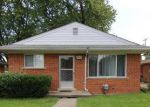 Foreclosed Home in Livonia 48152 18554 SUNSET ST - Property ID: 6297731