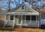 Foreclosed Home in Mastic Beach 11951 200 LONGFELLOW DR - Property ID: 6302641