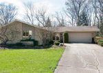 Foreclosed Home in Bartlett 60103 165 W OAK GLEN DR - Property ID: 6309104