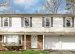 Foreclosed Home in Coram 11727 160 PAULS PATH - Property ID: 6309378