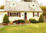 Foreclosed Home in Ronkonkoma 11779 54 CENTER ST - Property ID: 6309584
