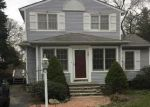 Foreclosed Home in Bayport 11705 227 OAKWOOD AVE - Property ID: 6309593