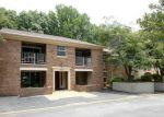 Foreclosed Home in Burke 22015 5813 COVE LANDING RD APT 303 - Property ID: 6309915