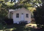 Foreclosed Home in Hampton Bays 11946 32 WOODRIDGE RD - Property ID: 6310991