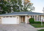 Foreclosed Home in Palos Hills 60465 8300 W 99TH PL - Property ID: 6311381