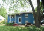 Foreclosed Home in Grayslake 60030 32871 N SEARS BLVD - Property ID: 6312033