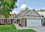 Foreclosed Home in Schaumburg 60194 2136 PARKVILLE RD - Property ID: 6312780
