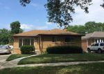 Foreclosed Home in Oak Park 48237 23061 HARDING ST - Property ID: 6313035