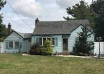 Foreclosed Home in West Islip 11795 37 GLADSTONE AVE - Property ID: 6314597