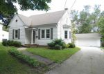 Foreclosed Home in Green Bay 54301 221 BEAUPRE ST - Property ID: 6315447