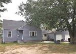 Foreclosed Home in Islip Terrace 11752 2 CLEVELAND ST - Property ID: 6315867