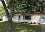 Foreclosed Home in Mahomet 61853 1006 E PIN OAK DR - Property ID: 6317508