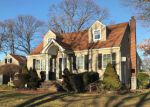 Foreclosed Home in Lindenhurst 11757 12 N HAMILTON AVE - Property ID: 6321158