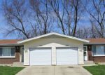 Foreclosed Home in Elgin 60123 1300 FAIRWOOD DR # 02 - Property ID: 6321671
