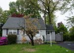 Foreclosed Home in Bloomingdale 7403 8 OAKWOOD TER - Property ID: 6322506