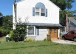Foreclosed Home in Shirley 11967 45 MERRICK RD - Property ID: 6322575