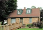 Foreclosed Home in Waukegan 60085 1115 N BERWICK BLVD - Property ID: 6323599