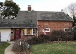Foreclosed Home in Levittown 11756 95 HORN LN - Property ID: 6324199