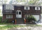 Foreclosed Home in Mastic 11950 86 MORICHES AVE - Property ID: 6324237